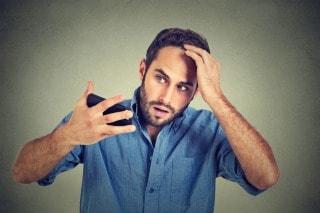 抜け毛の原因は毛根で分かる!薄毛の進行レベルをセルフチェック