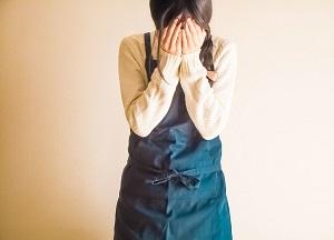 女性の側頭部が薄毛になる原因|4つのハゲ対策を紹介