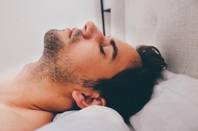 AGA若ハゲの治療 髪は睡眠中に最も伸びる!