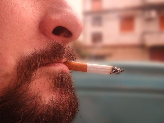 AGA若ハゲの治療 禁煙は発毛に効果あり?