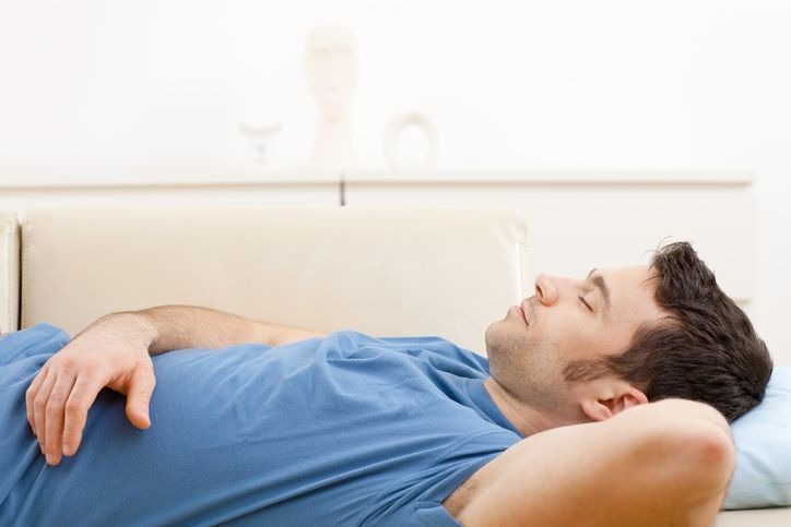 自毛植毛 手術後3日程度は仰向けの寝方で固定。
