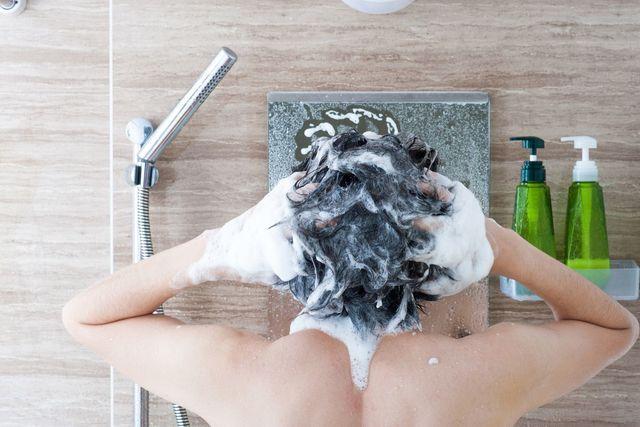 M字ハゲ(生え際前髪の薄毛) シャンプーのときに髪が抜ける