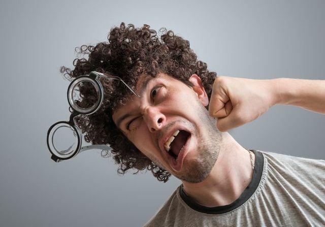 育毛ブラシ 頭を叩くように使うことはNG!