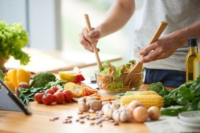 抜け毛 ダイエットによる栄養不足