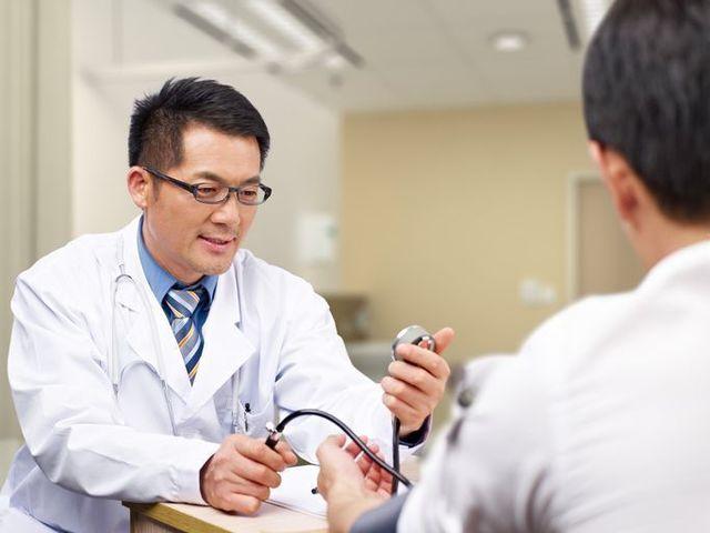 AGA専門クリニック 一般的な病院とAGA専門クリニック、何が違う?