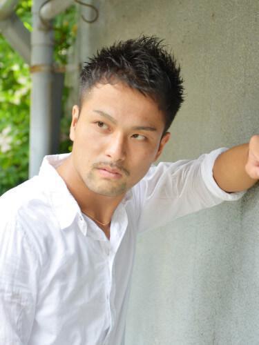 髪型 9. 大人黒髪ショートモヒカン