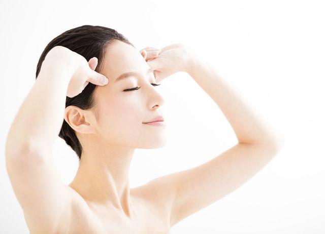 薬用ベルタ育毛剤 4.全体にゆっくり浸透させるように頭皮マッサージ