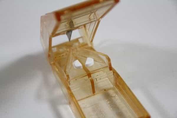 プロペシア プロペシア(フィナステリド)1㎎錠剤をピルカッターで割る