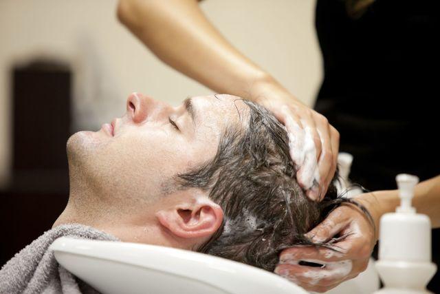 AGA若ハゲの治療 育毛サロンの費用